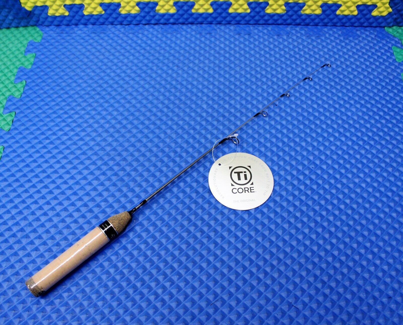 Eagle Claw Ice Fishing Titanium Core TI-CORE 20 Burgandy 20  Rod WMTC20