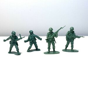 Vintage-Tim-Mee-Toys-2-Green-Army-Military-Soldier-Action-Figures-Lot-Of-4