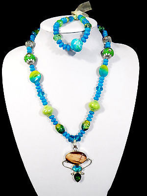 Womans Handmade Necklace Pendant and Bracelet Set Turquooise Gemstone Beads