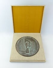 #e6628 Große DDR Medaille im Etui Berlin Invest Export Messingguss bronziert