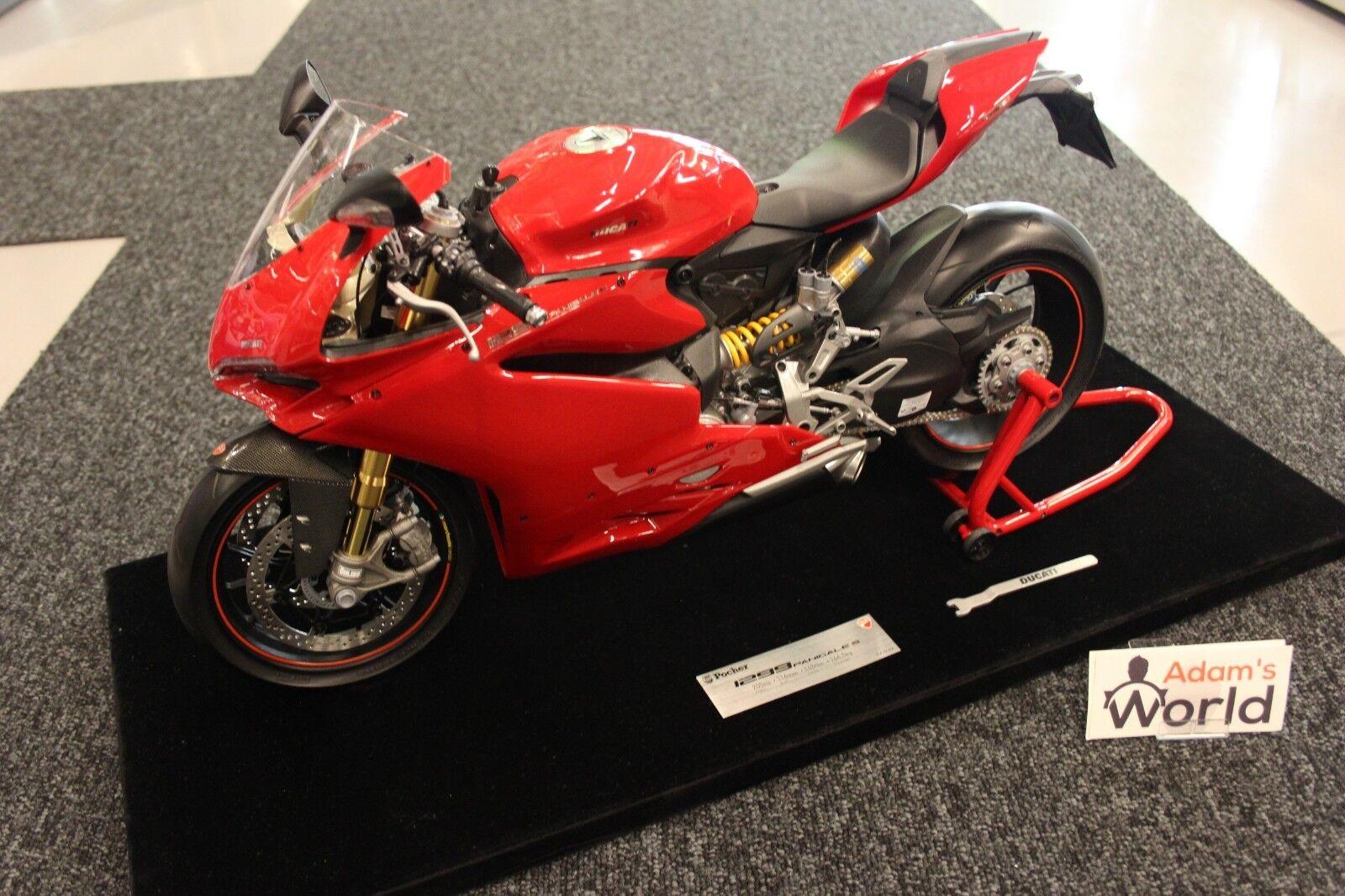 Negozio 2018 Pocher Professional built kit Ducati Panigale 1299 S 1 4 4 4 rosso + original mostrarecase  centro commerciale di moda