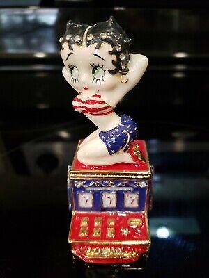 Betty Boop World Tour Slot Machine