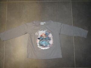 T-shirt-gris-manches-longues-imprime-Rebelle-de-DISNEY-Taille-4-ans