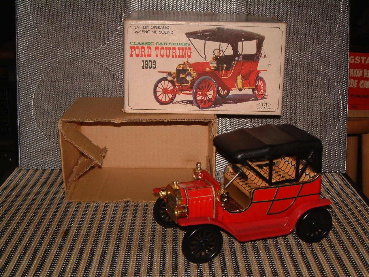 TATAATOKU leksaker, RARE, TIN B  O 1909 FORD TURING bil.I låda och fungerar fullt ut