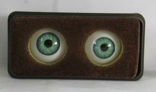 Vintage Doll Parts Glasaugen Paperweight Glass Eyes Germay NOS 24mm Green