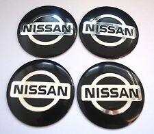 NISSAN Cubo De Rueda Tapas Emblema Insignia Adhesivos METAL 56.5mm Set de 4