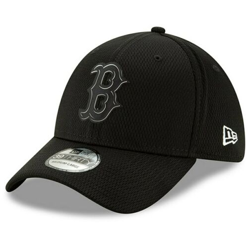 """Boston Red Sox New Era /""""Black Clubhouse Collection/"""" 39THIRTY Flex Hat"""
