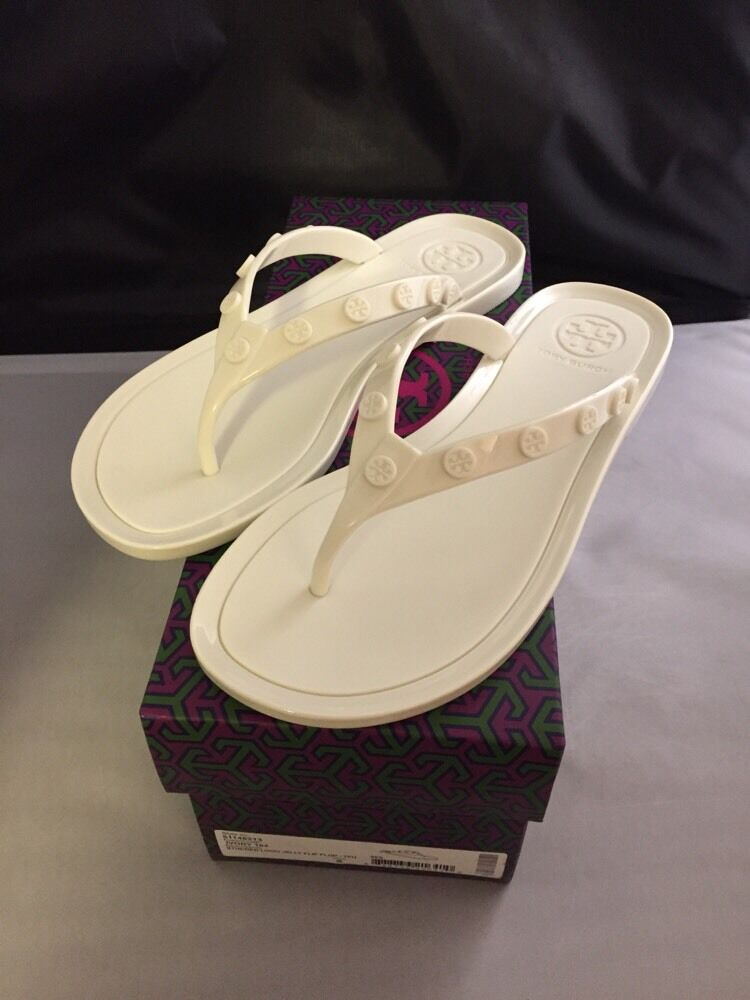 New In Box  Tory Burch Logo Studded Jelly Sandale - Ivory - Größe 5
