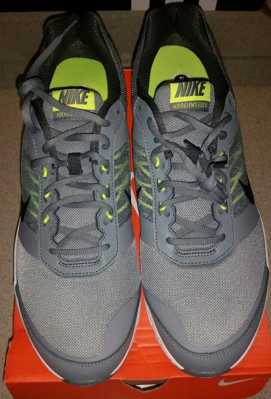 Nike air implacabile 5 atletico scarpa da corsa cross - trainer
