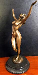 Stylish-Bronze-Figure-Nude-from-Raymondo-Signed-on-Marble-Base-bronzefigur