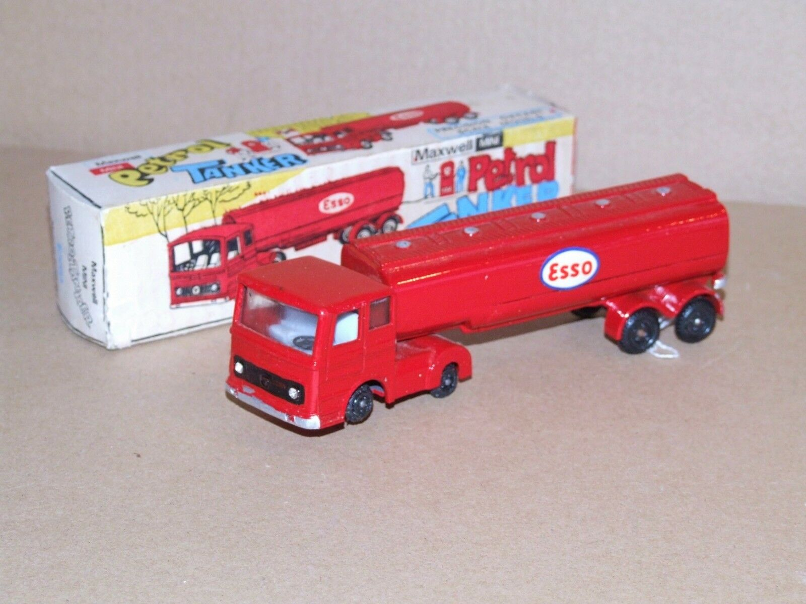 Maxwell Mini (India) 566 Petrol Tanker ESSO
