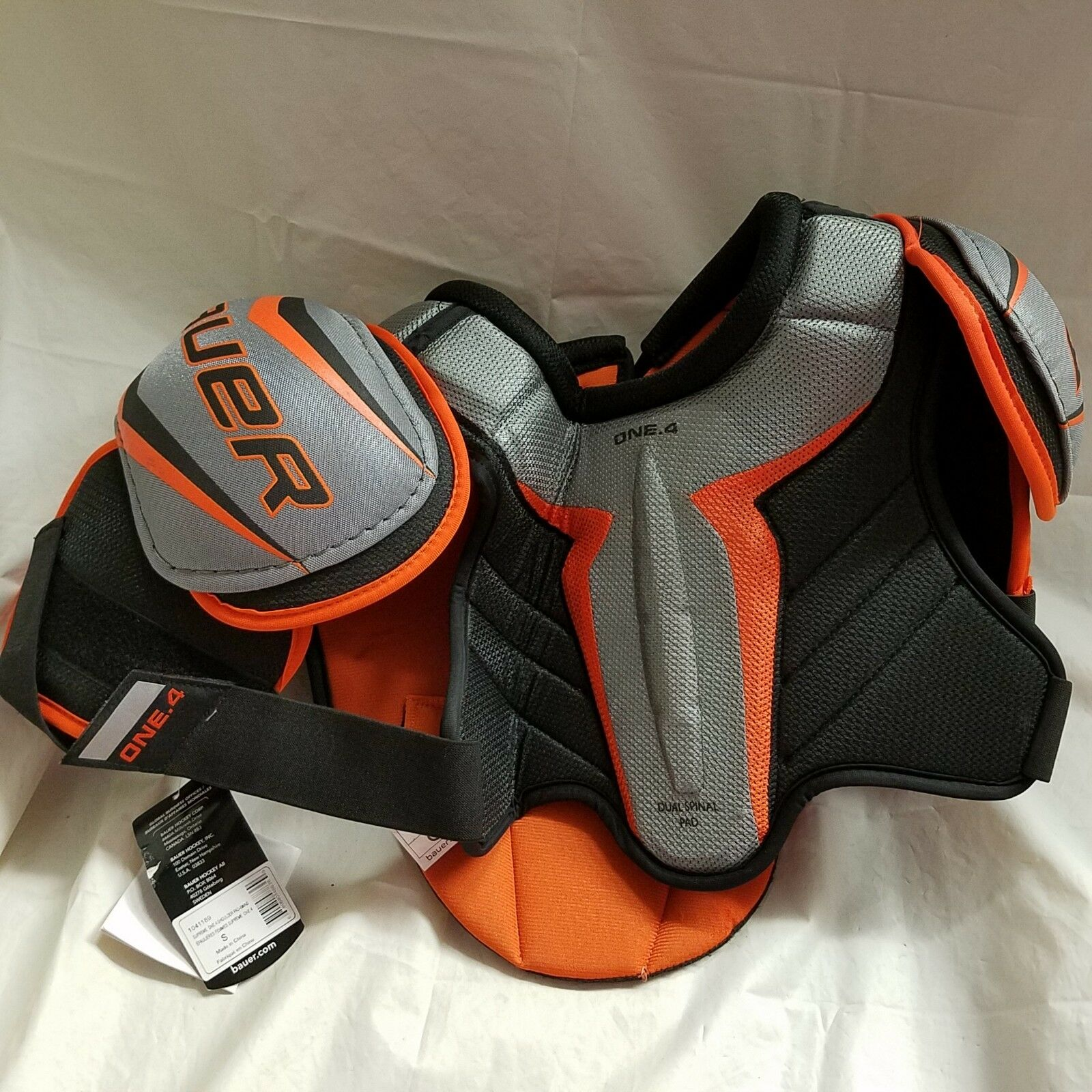 NWT Bauer Supreme One.4 Women's Shoulder Pads