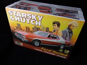 Ford-Torino-034-Starsky-amp-Hutch-034-Model-Car-Kit-1-25-scale-by-Revell-85-4023