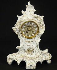 SITZENDORF - Tischuhr KAMINUHR Uhr Porzellanuhr m. Plastischen Blüten Thüringen