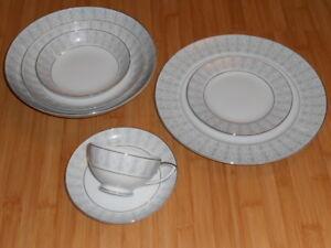 Image is loading MIKASA-Fine-China-Dinnerware-TILFORD-8423-Replacement -Select- & MIKASA Fine China / Dinnerware u2013 TILFORD 8423 Replacement- Select ...