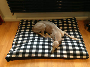 B W Gingham Fleece Deluxe Waterproof Dog Bed, Lits pour chiens, Lits pour animaux de compagnie, dogbed, lits pour chiens