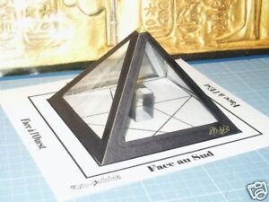 La-Pyramide-a-souhait-de-type-Kheops-noire-Magique-Esoterisme-inedit