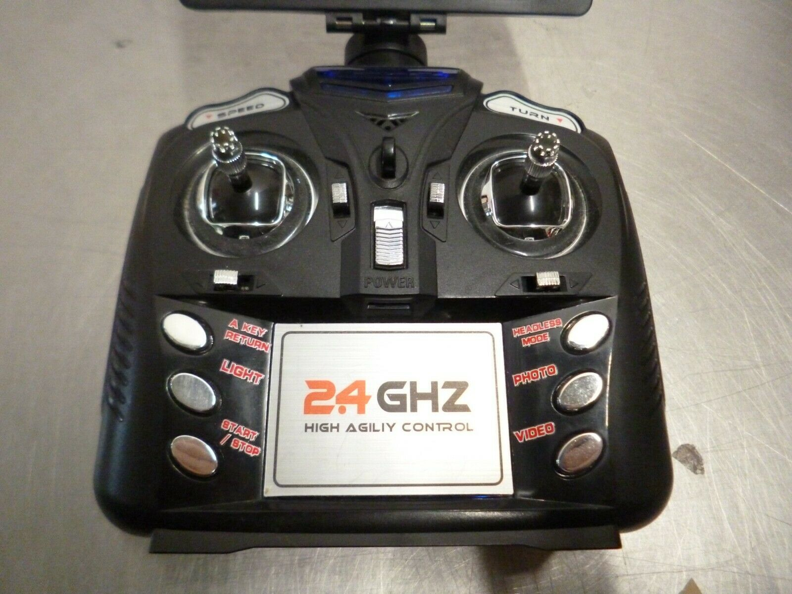 2.4 GHZ high agility control pad.