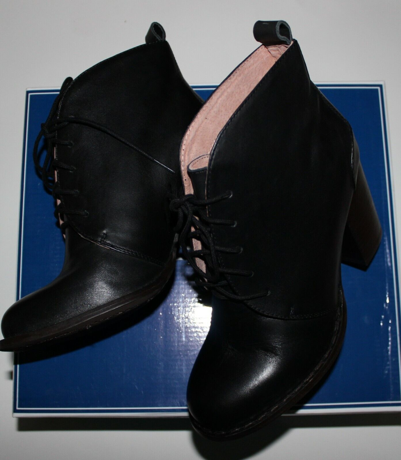 150 SEYCHELLES TOWER BLK LACE UP BOOTIE US 7.5