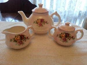 Hand-Painted-Tea-Set
