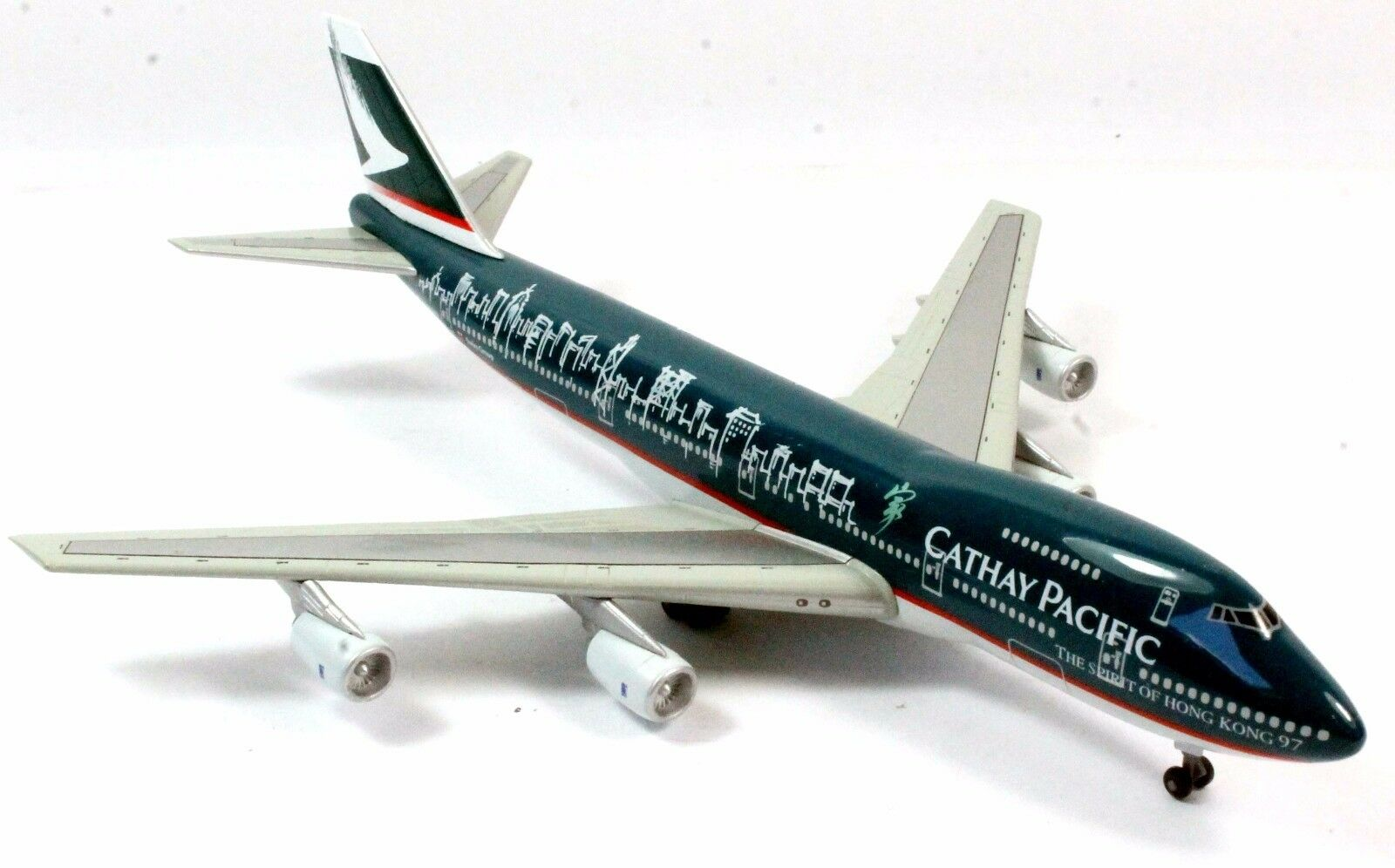 1 400 DRAGON WINGS 55101 CATHAY PACIFIC THE SPIRIT OF HONG KONG 10O