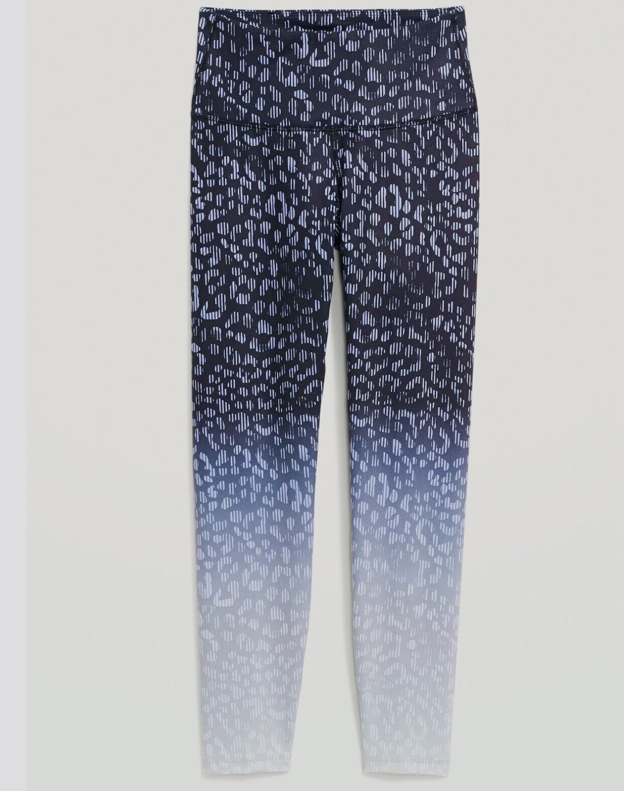 NWT: Old Navy High-Waisted Elevate 7/8 Length Leggings, Cheetah Blue, Size L