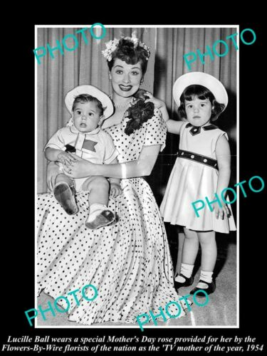 OLD 6 X 4 HISTORIC PHOTO OF I LOVE LUCY STAR, LUCILLE BALL, MOTHER OF YEAR 1954