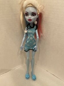 Monster-High-Doll-Dead-Tired-Abbey-Bominable-Doll
