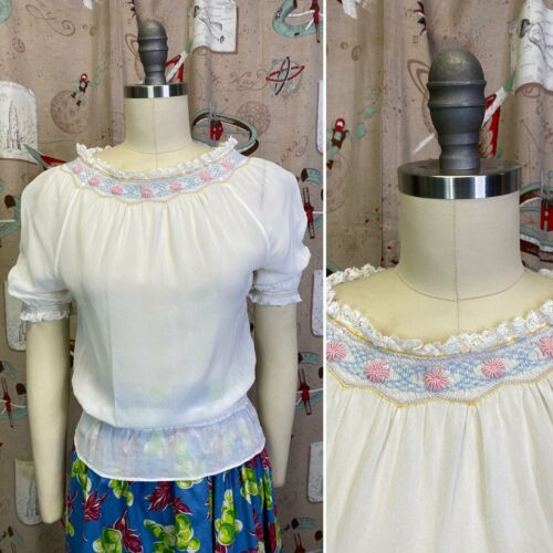 Vintage 1940s Blouse •  White Peasant Blouse with
