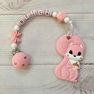 Beißkette Beißring mit Namen Schnullerkette Silikon Eichhörnchen rosa hellgrau
