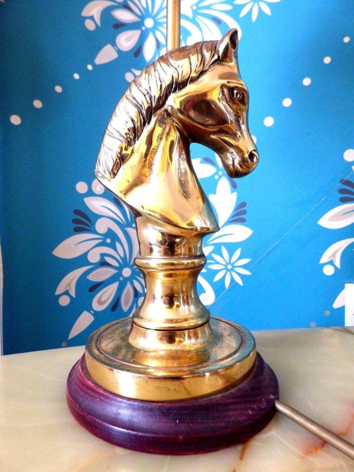 STUNNING HORSES HEAD TABLE LAMP