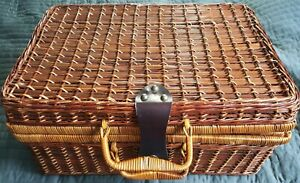 Beautiful vintage wicker suitcase or picnic basketRattan antique collectors