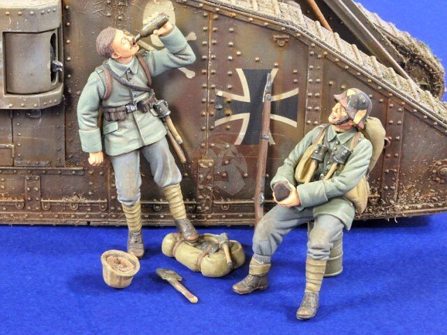Verlinden 1 35 German Trench Raiders Resting and Drinking WWI (2 Figures) 2814