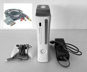 CONSOLA-MICROSOFT-XBOX-360-20-GB-CABLES-CONEXION-A-TV-ALIMENTADOR-Y-MANDO-USB