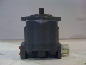 NEW-HOLLAND-BACKHOE-Hydraulic-pump-555D-85700189-NEW