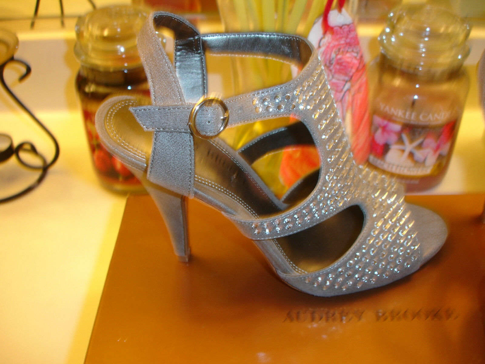 Audrey Brooke Silber Stephenie Holiday Wedding Prom Bridal schuhe Heel  90 7.5