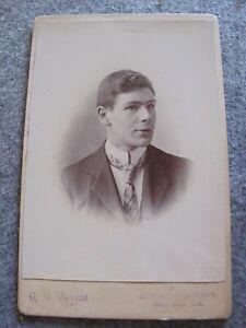 Victorian-Cabinet-card-Gentleman-portrait-Davies-of-Woolwich