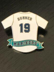 Vintage-Collectible-Buhner-19-Mariners-Seattle-1996-MLB-Shirt-Metal-Pinback