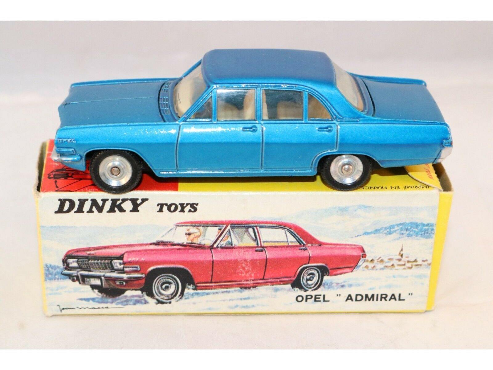 Dinky Toys 513 Opel Admiral bleu mint in box and box with dealer tag Superb