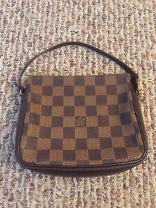 b51cedb06467 Image is loading Authentic-Louis-Vuitton-Mini-Pochette-Accessories-in-Damier -