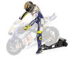 Valentino Rossi figurine riding with Startbox MotoGP 2 1 12 MINICHAMPS 312090046