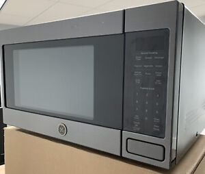 GE 1.6 Cu. Ft. Black Stainless Steel Countertop Microwave 1150 Watts JES1657BMTS