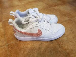 Nike Schuhe (Größe 36)