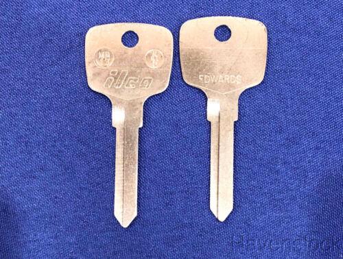Van /& Benz DL YM19, ILCO MB17 See Chart Mercedes Vintage Auto Key M81X