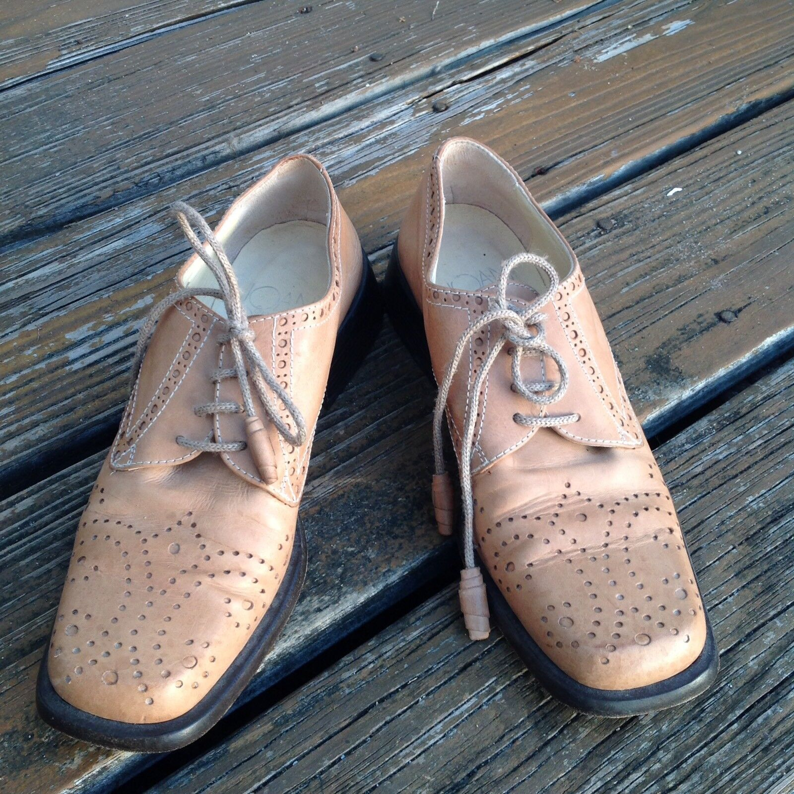Joan  David Light Brown Tan Wingtip Oxfords Brogue Shoes 8 Tassel Pelle
