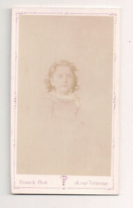 Vintage-CDV-Unknown-Well-to-Do-Young-Girl-Franck-Photo-Paris