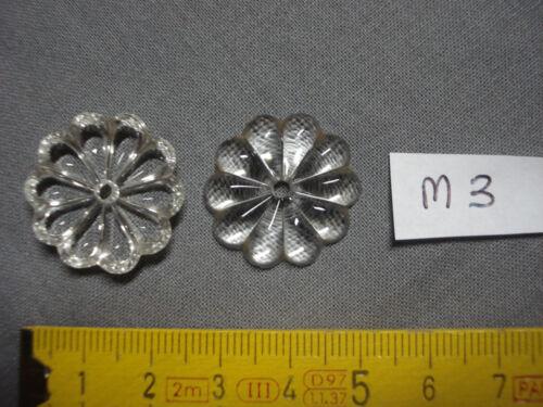 réf M3 2 pampilles en verre forme marguerite diamètre  24,5 mm