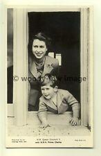 q1863 - H.M Queen Elizabeth II & Son Prince Charles - postcard