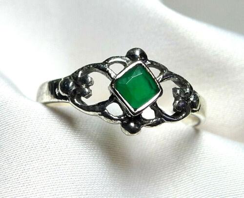 Smaragd Ring 925 Silber eckiger facettierter Edelstein romantisches Design neu