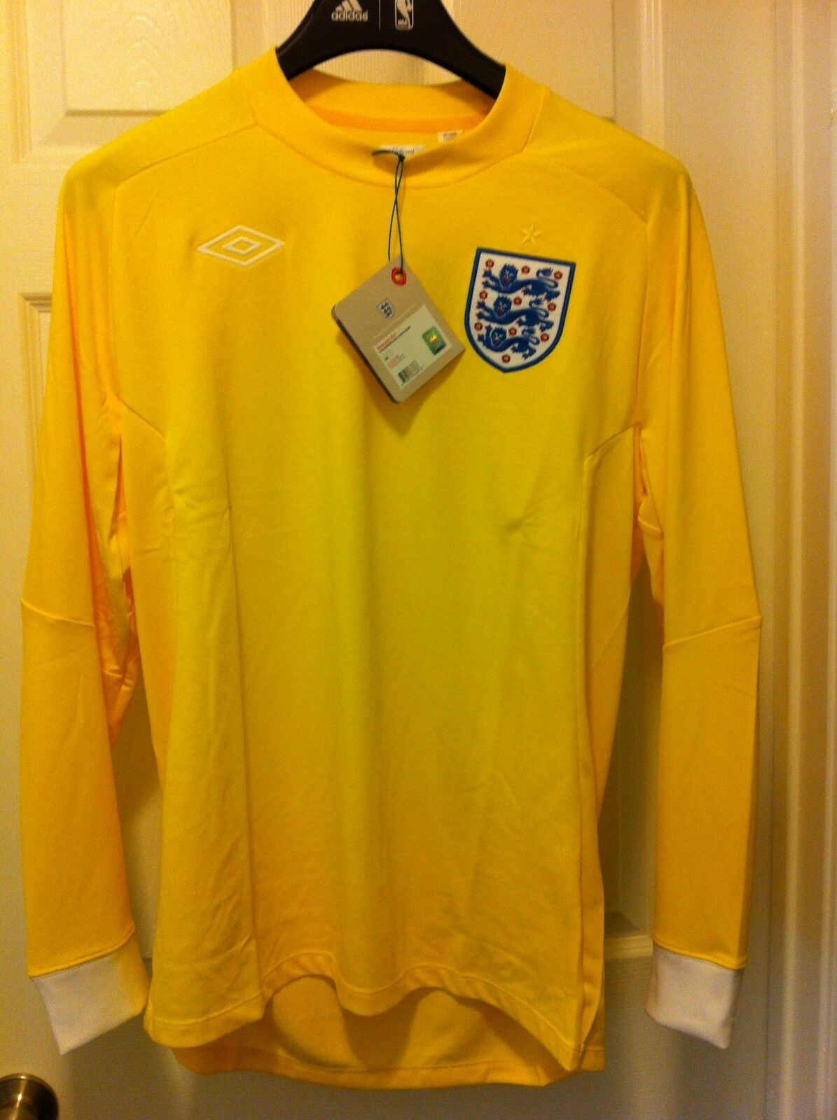 8f0bf71bb UMBRO England LS World Cup Goalkeeper Jersey 2010-12 70004U US Mens 38-42